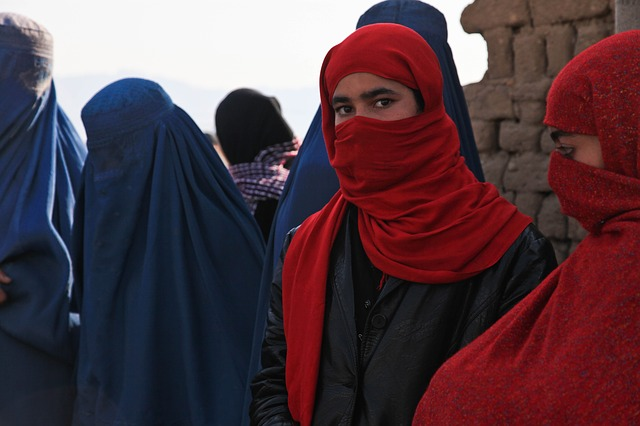 Afghanistan: Frauen und Mädchen wird das Singen verboten