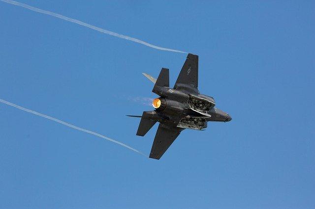 IDF Luftangriffe auf Stellungen der Hamas nach abgefeuerten Raketen aus Gaza