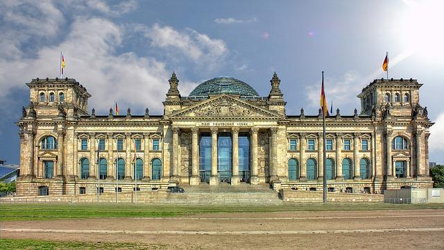 Deutschland erlässt ein Gesetz zur Einbürgerung von Nachkommen ehemaliger Bürger, die vor den Nazis geflohen sind