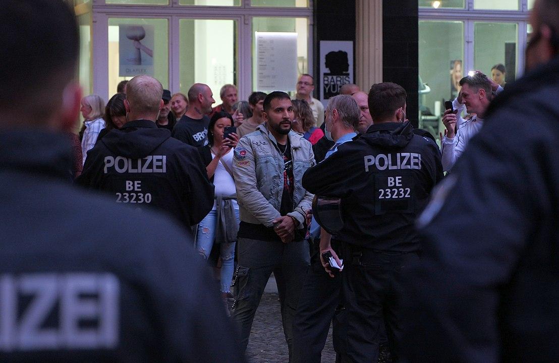 """Verschwörungstheoretiker Hildmann hetzt gegen die """"Judenrepublik"""" Deutschland"""