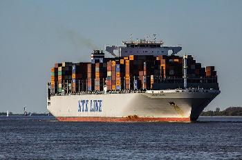 Chinas Exporte wachsen um 60 Prozent