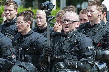 Britisches Unterhaus stimmt für umstrittenes Polizeigesetz