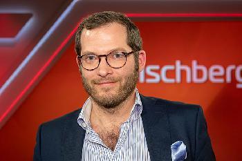 BildChef-Julian-Reichelt-kehrt-an-seinen-Arbeitsplatz-zurck