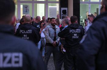 Verschwrungstheoretiker-Hildmann-hetzt-gegen-die-Judenrepublik-Deutschland
