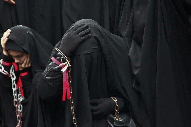 Teheran: Präsidentschaftskandidat vergleicht unverschleierte Frauen mit Tieren