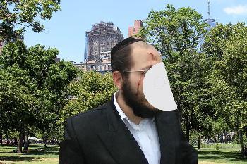 Mann auf Bewährung greift jüdische Familie in Manhattan an.