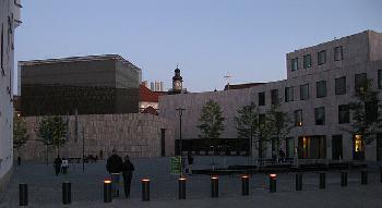 Projektion-an-der-Hauptsynagoge-zum-HolocaustGedenktag-Jom-Haschoah