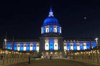 Wahrzeichen auf der ganzen Welt leuchten zu Ehren des Unabhängigkeitstags Israels in Blau und Weiß