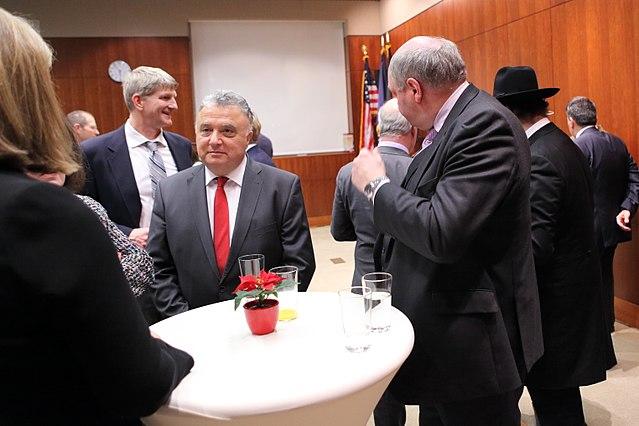 Israelischer Botschafter auf politischen Abwegen: Die Issacharoff-Beck-Affäre