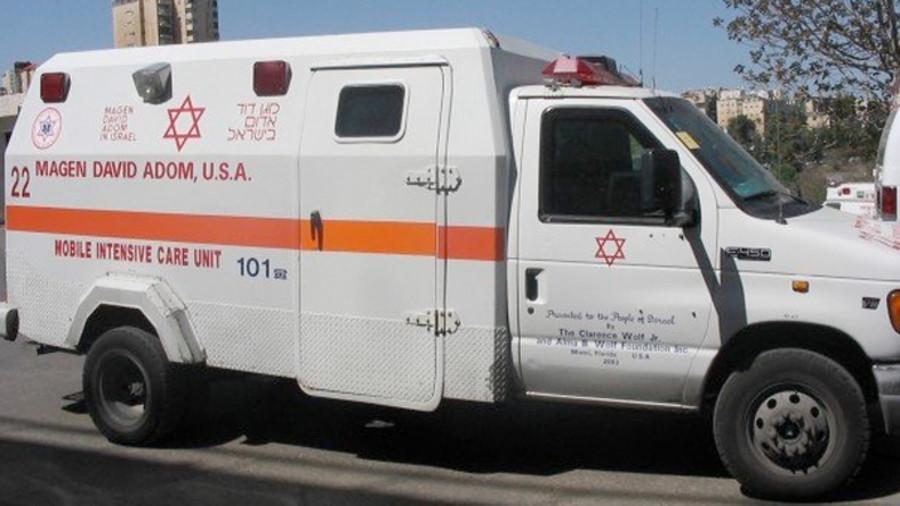 8-jähriges Mädchen von Steinen getroffen, die von Arabern in der Nähe des Beduinendorfes geworfen wurden