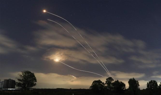 Raketenbeschuss geht weiter, als IDF Terrorziele in Gaza angreift