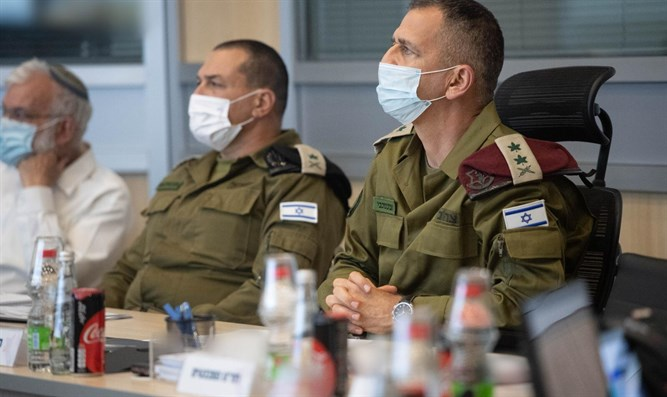 Reservesoldaten, die bereit sind, Lod zu betreten, um Ordnung zu bringen