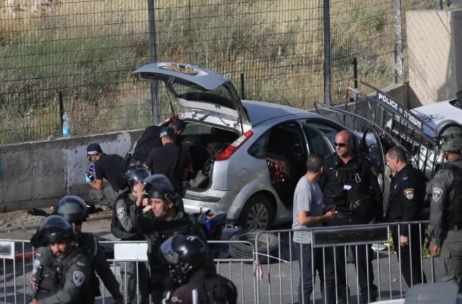 Bei einem Terroranschlag auf ein Auto in Ostjerusalem wurden mehrere israelische Polizisten verletzt