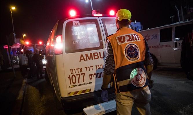 Zwei Tote, Dutzende Verletzte nach dem Zusammenbruch der Tribüne in Jerusalem ++update++ Video