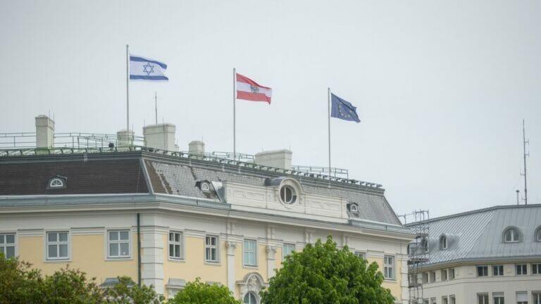 Wegen Israelfahne auf Bundeskanzleramt: Irans Außenminister sagt Wien-Besuch ab