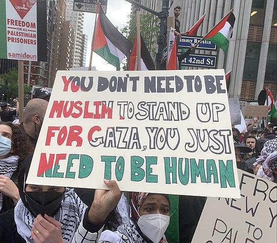 De Blasio, Cuomo, verurteilt den Antisemitismus in New York City
