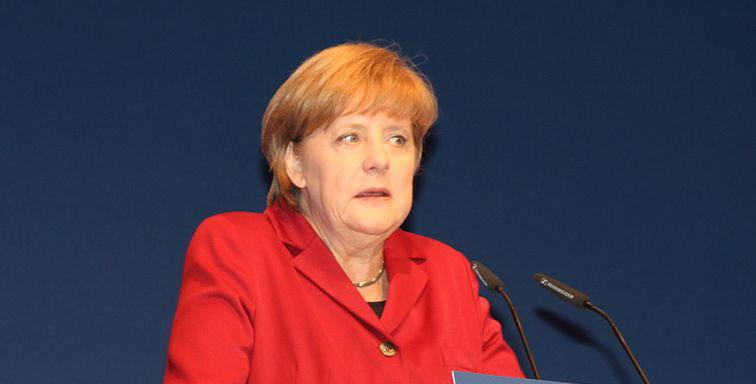 """""""Scheiß Juden!"""": Warum Merkel zehn Tage lang schwieg [Video]"""