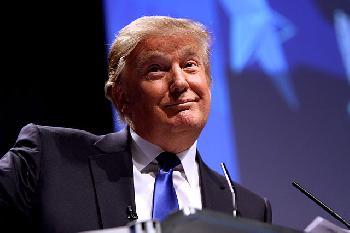 Das Facebook-Aufsichtsgremium bestätigt das Verbot von Trump