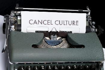Wokeness-und-Cancel-Culture-Die-teuflischen-Gotteskrieger-der-sozialen-Netzwerke