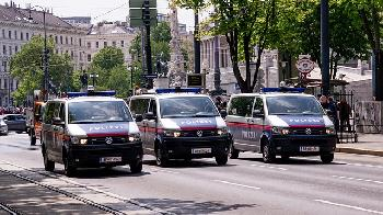 AntiIsraelDemonstranten-in-Wien-singen-ber-ein-Massaker-an-Juden