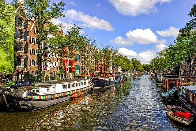"""Niederländische Universität entfernt das Banner """"vom Fluss zum Meer"""""""