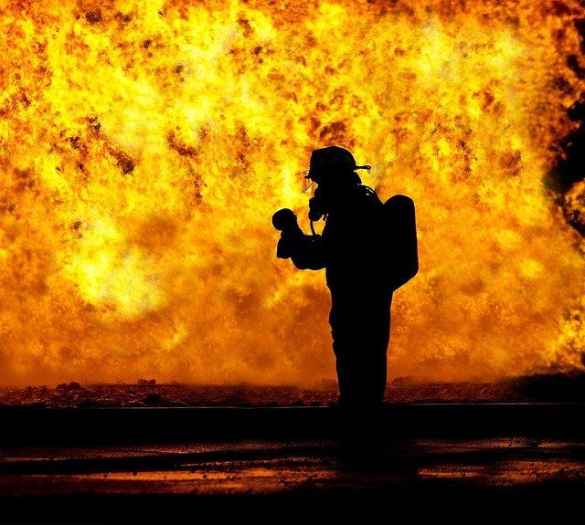 Großbrand in Teheraner Ölraffinerie