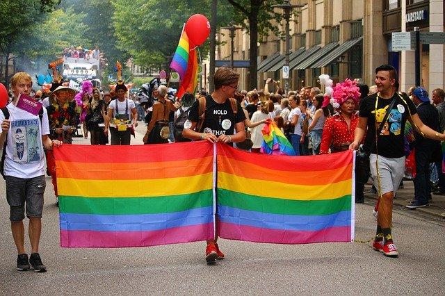 Fidesz will LGBT in Kinderbüchern verbieten