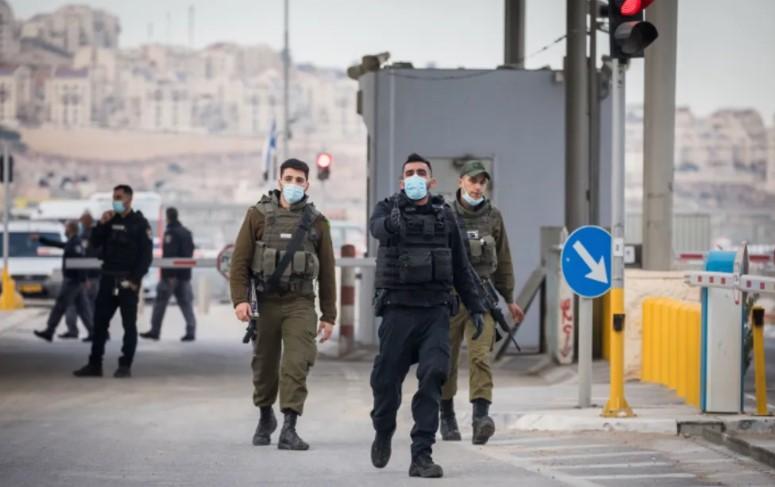 Westjordanland: Israelischer Grenzbeamter tötet messerschwingenden palästinensischen Terroristen am Kontrollpunkt