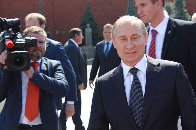 Putin bestreitet, dass Russland dem Iran Satelliten liefern wird