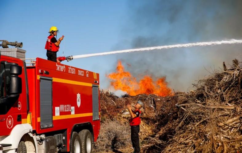 Gaza-Brandballons entfachen zum zweiten Mal in Folge Feuer im Süden Israels