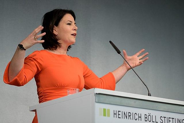 Baerbock: Der Steuerzahler soll meinen Industriepakt zur Klimaneutralität bezahlen!