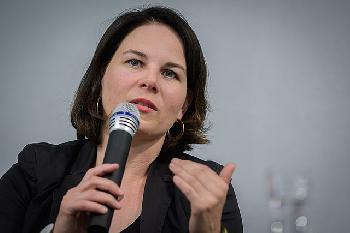 Zertifizierte Kohle: Frau Stöhr redet sich um Kopf und Kragen