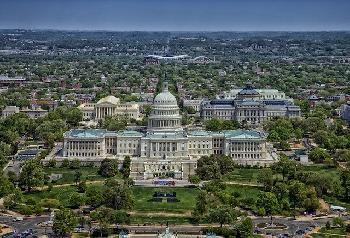 Kongressabgeordneter aus Michigan unterstützt Gesetzentwurf zur Bekämpfung von Antisemitismus