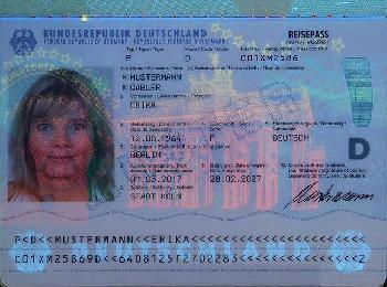 Geboren-im-besetzten-Palstina--Fehler-im-britischen-Pass