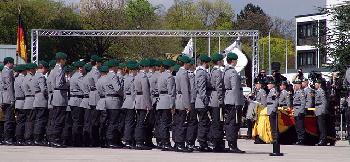 Deutsche Truppen aus Litauen nach Anklage wegen Antisemitismus und Rassismus nach Hause geschickt