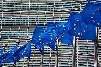 EUBeamter-fordert-berprfung-der-Bedingungen-der-Bildungshilfe-fr-PA
