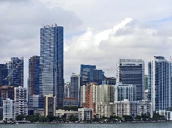 Das-eingestrzte-Wohnhochhaus-in-Miami-war-seit-den-1990er-Jahren-abgesunken-sagt-ein-Forscher
