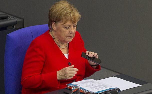 Angela, abgetaucht