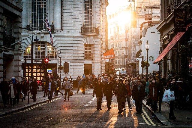 Großbritannien will in einer Woche alle verbleibenden Beschränkungen aufheben