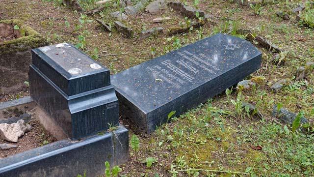 Kindergräber auf dem jüdischen Friedhof in Chemnitz verunstaltet