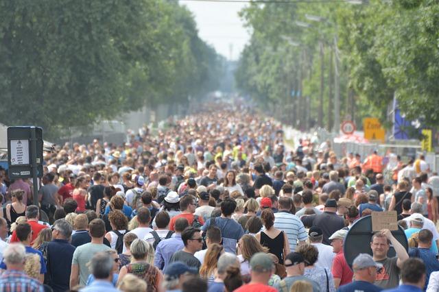 """Tausende in ganz Frankreich demonstrieren gegen die """"Diktatur"""" der vorgeschlagenen universellen Impfung"""