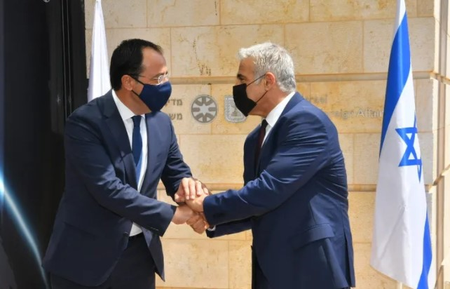 """Israelische und zypriotische Außenminister zeigen sich besorgt über """"provokative"""" türkische Schritte"""