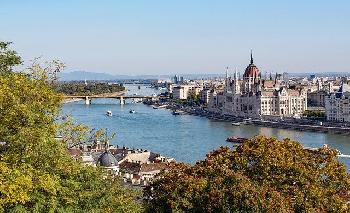 Die-ungarische-Republik-hat-ein-Gesetz-zum-Thema-LGBTQ-Gender-beschlossen-
