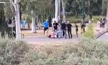 Araber-greifen-Juden-im-Park-von-Tel-Aviv-brutal-an