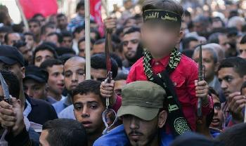 Willst-du-Frieden-Stoppt-die-hasserfllte-Hetze-der-palstinensischen-Jugend
