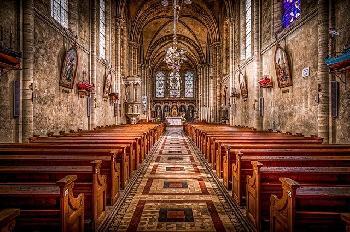 Eine-Kirche-die-keiner-mehr-braucht