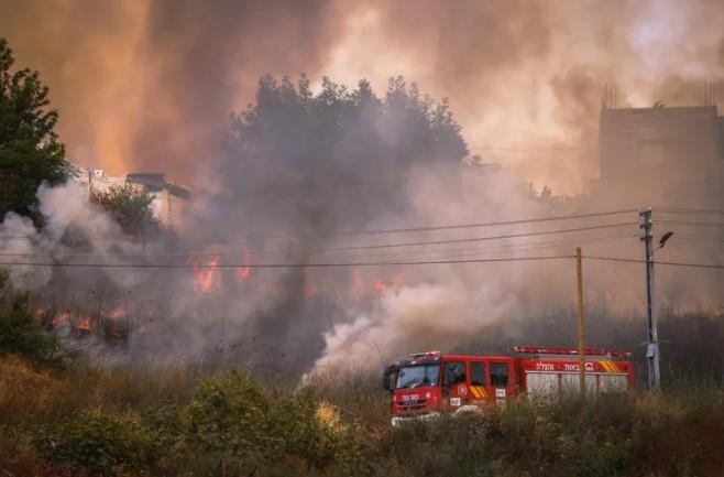 In Israel und im Westjordanland brechen zwei Brände aus