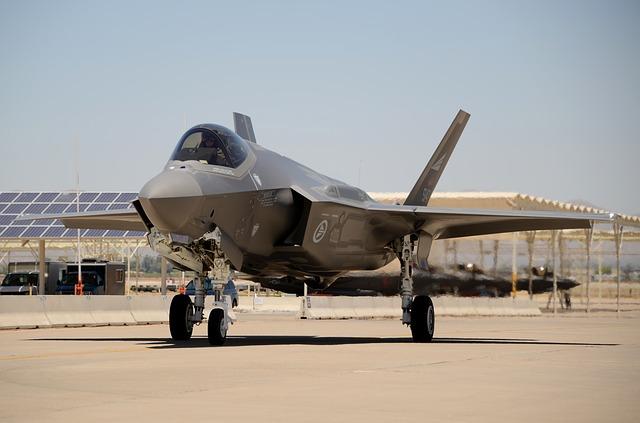 IDF-Kampfflugzeuge greifen libanesische Ziele als Reaktion auf Raketen an