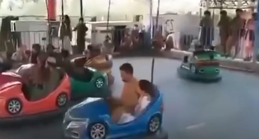 """Taliban """"übernehmen"""" den Vergnügungspark  [Video]"""