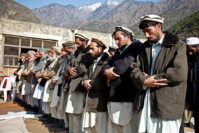 Trotz Mauer und Stacheldraht kommen 1000 illegale Afghanen pro Tag! [Video]